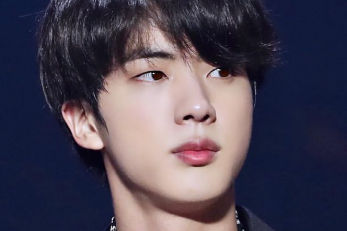 Seokjin, regardless of language or nationality, is known for his songs. BTS Jin, three solo songs ranked first on iTunes in 242 countries